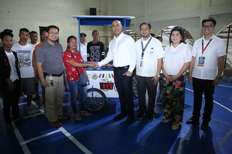 "PAMPANGA. Clark Development Corporation through its External Affairs Department (EAD) led by Assistant Vice President Rommel Narciso in partnership with Mabalacat Local Government Unit headed by Mayor Crisostomo Garbo recently spearheaded the distribution of 20 Kabuhayan Mobile Kart to selected residents of Mabalacat City. The said project with a theme ""Tulong Kabuhayan para sa Magandang Buhay"" aims to improve the lives of the marginalized communities near Clark Freeport. (Photo by CDC-CD)"