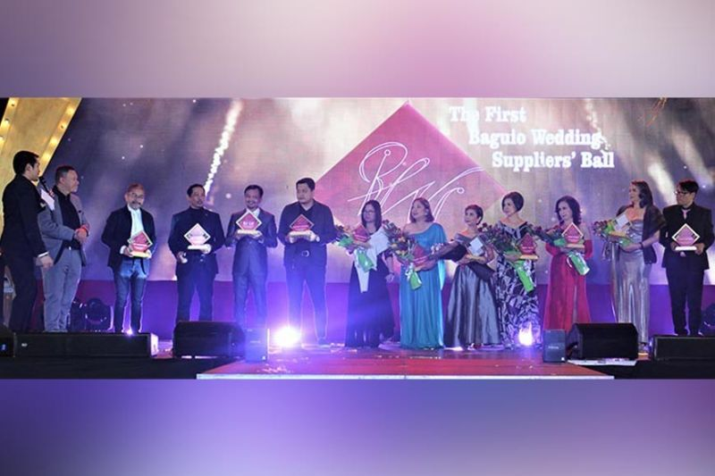 BAGUIO. Awardees, Pillars and Pioneers of the Wedding Industry from L to R are Ric Maniquis, Olec Josephus, Rj Lu, Michael Quirino, Aileen Cabjuan, Cristy Velasco, Mignon de Leon, Juliet Puzon, Fran Picart, Anna Lorraine Tabora and Ricky de Vera. (Photo by Osharé)