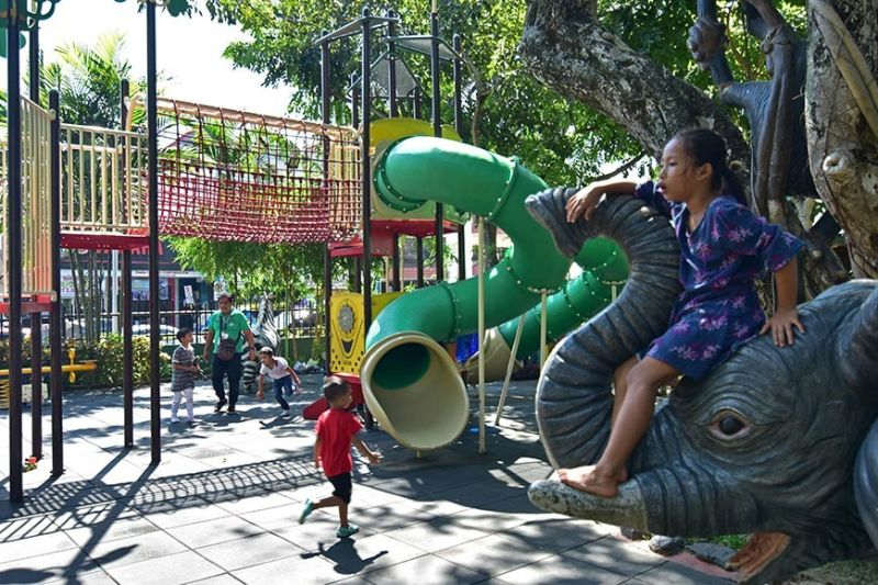 DAVAO. The Ecowaste Coalition, according to its study, has identified playgrounds in People's Park and Magsaysay Park as areas with high levels of lead, which can affect the health of a child. The lead was detected on paint of the outdoor playground. (Macky Lim)