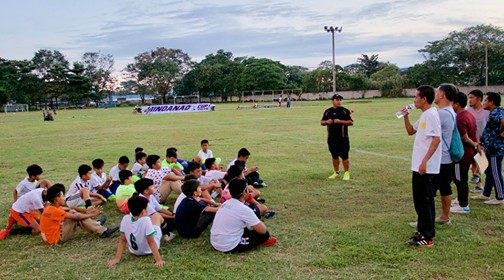 DAVAO. Davao booters listen to their coach in a pre-tourney briefing. (Contributed Photo)