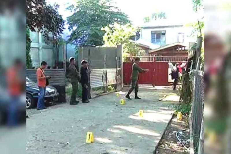 ZAMBOANGA. The Scene of Crime Operatives (Soco) conduct post-blast probe to determine the type of explosive and who are behind the bomb explosion in front of the residence of Mayor Asri Taib in Canelar, Zamboanga Ciy. Taib is the mayor of Pangutaran, Sulu. (SunStar Zamboanga)
