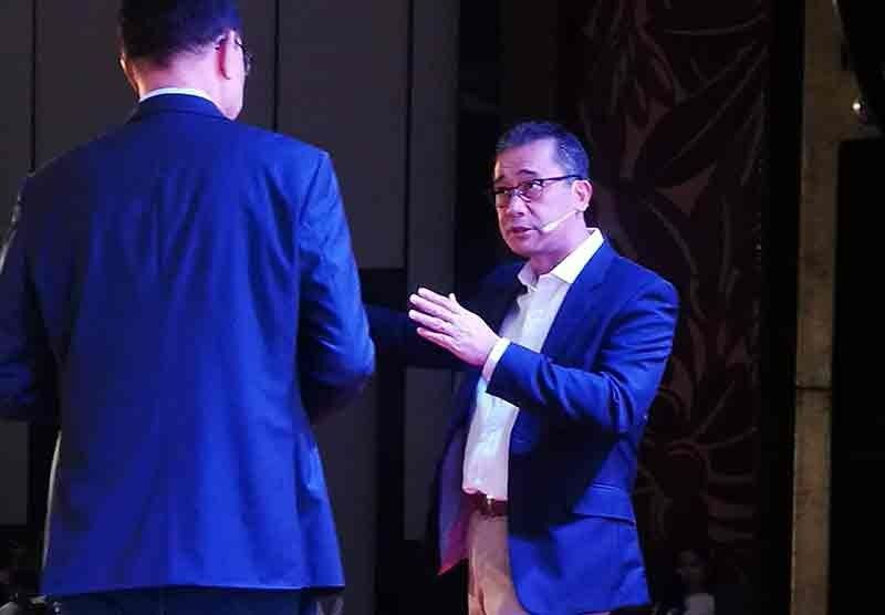 NEW APPROACH. Accenture Philippines country managing director Lito Tayag (right) talks about the imperatives of digital transformation at the Business Next forum hosted by Southwestern University- Phinma Business School. (Sunstar Photo / Allan Cuizon)