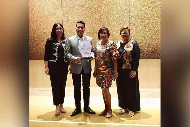 DAVAO. Department of Tourism Davao Region (DOT-Davao) director Tanya Rabat-Tan, Davao City Tourism Operations (DCTOO) officer Generose Tecson, Davao Mice Execom co-chair Ken Kapulong, and Anna Quirante-Magnayerecieve the plaque declaring Davao City as the host destination of the Mice Con 2020. (Photo from Generose Tecson)