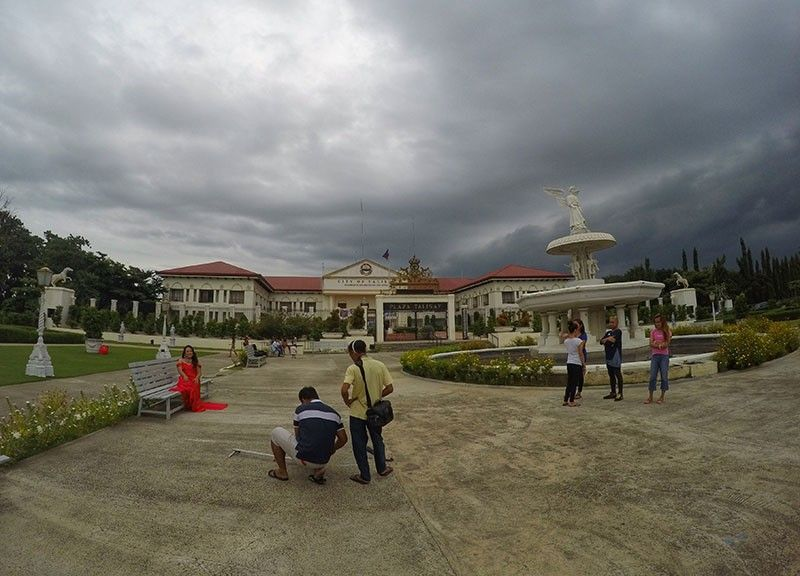 TAX COLLECTION. The Talisay City Government hopes to increase revenue collections by P100 million from last year to help fund the proposed P1.2 billion 2020 budget. (SunStar File Photo)