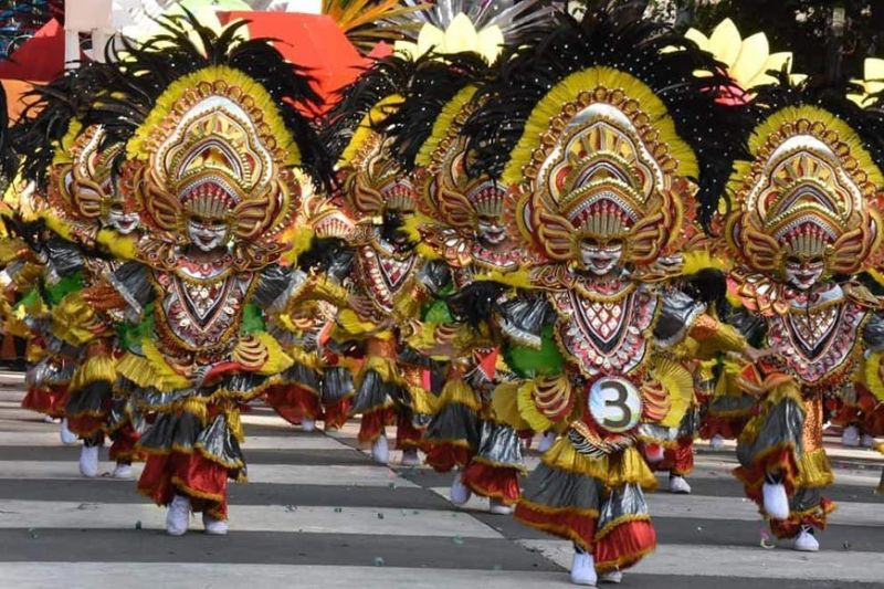 BACOLOD. Estefania Elementary School hails as the champion in the elementary MassKara street and arena competition at the Bacolod public plaza in Bacolod City on Saturday, October 26. (Merlinda A. Pedrosa)