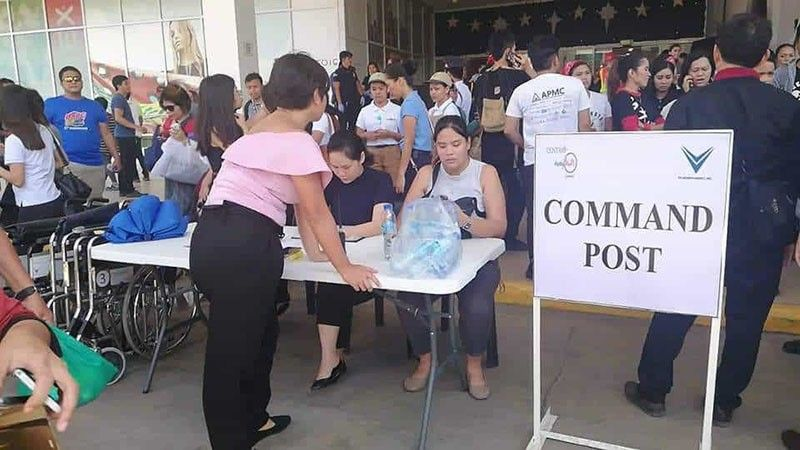 CAGAYAN DE ORO. The management of Centrio Mall puts up a command post outside the building to assist its customers following the magnitude 6.6 earthquake that struck Mindanao Tuesday, October 29, 2019. (SunStar Cagayan de Oro)