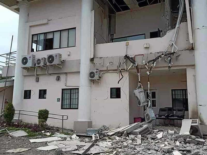 DAVAO. The Magsaysay Municipal Hall in Davao del Sur was heavily damaged when a magnitude 6.6 earthquake shook parts of Mindanao on October 29, 2019. (via Superbalita Davao)