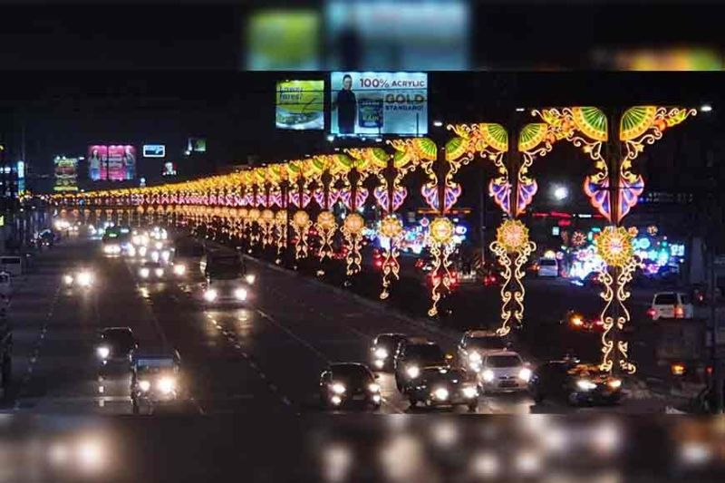 PAMPANGA. Jose Abad Santos Avenue is adorned with colorful lanterns
