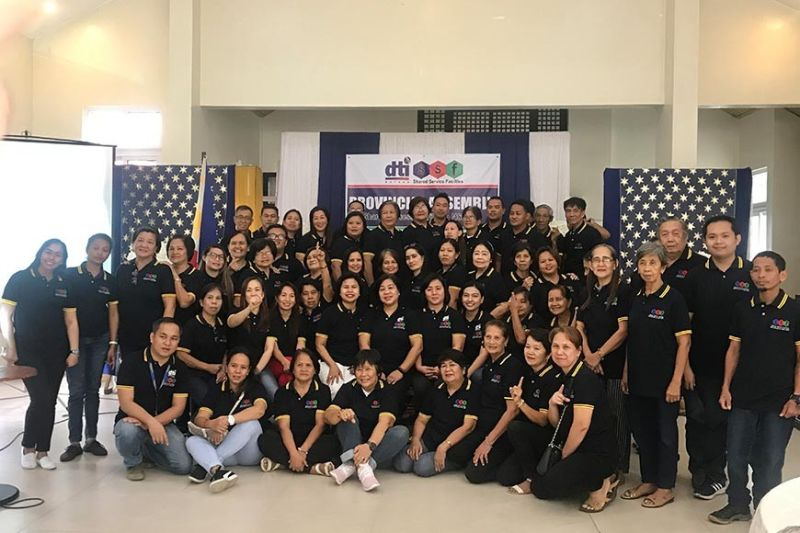 BATAAN. Department of Trade and Industry (DTI) awarded five best performing Shared Service Facilities (SSF) cooperators during the recent SSF Provincial Assembly. (PIA-Central Luzon)