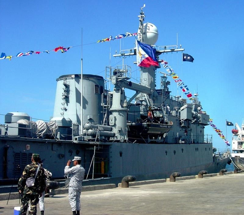 ZAMBOANGA. The BRP-Conrado Yap, the newest and advanced ship of the Philippine Navy, drops anchor Monday, November 4, at the port of Zamboanga as it was on a show of flag mission. (SunStar Zamboanga Photo)
