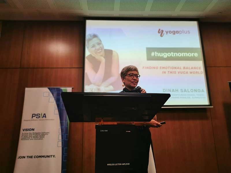 GUEST SPEAKER: Si Dinah Salonga, YogaPlus managing director, nipaambit bahin sa iyang career sa IT atol sa usa ka seminar bahin sa ICT. (Tampo)