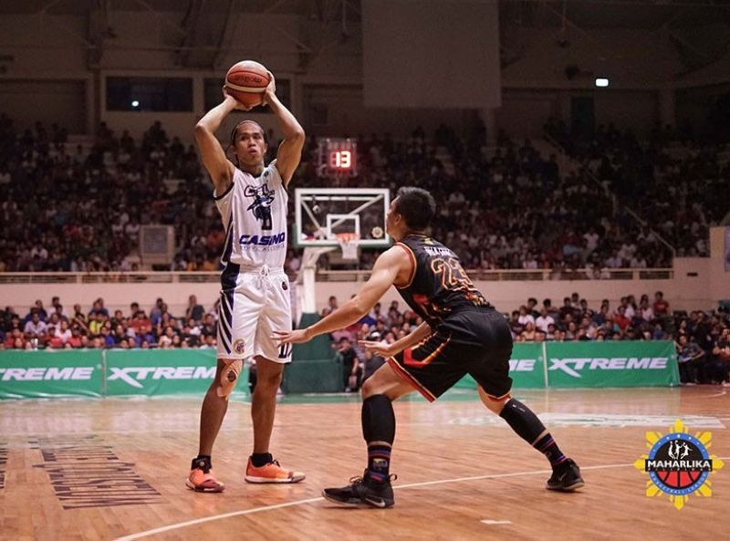 MANILA. Rhaffy Octobre led Cebu with 24 points and 13 rebounds in their lopsided win over Rizal. (Photo courtesy of MPBL)