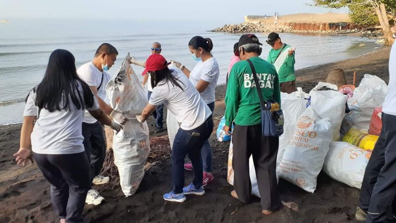 BACOLOD. Through the dedicated efforts of the company's employees and partners like Bantay Dagat of Davao City, more than 7,000 kilograms of garbage was collected by Coca-Cola volunteers and partners during the 34th International Coastal Clean-up. (Contributed photo)