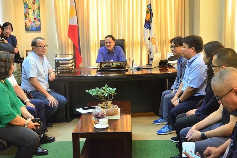 ILOILO. Korea International Cooperation Agency (Koica) officers led by Country Director Song Min Hyeon discussed with Governor Arthur Defensor Jr. the updates on the rehabilitation of Concepcion fish port. Koica is funding the project worth $3 million. (Contributed photo)