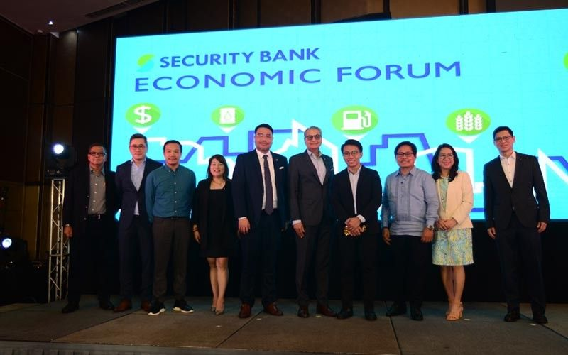 Security Bank top executives led by president and CEO Sanjiv Vohra with Northern Mindanao Philippine Chamber of Commerce and Industry Regional Governor Ma. Teresa Rillo – Alegrio and guest speakers. (Contributed photo)