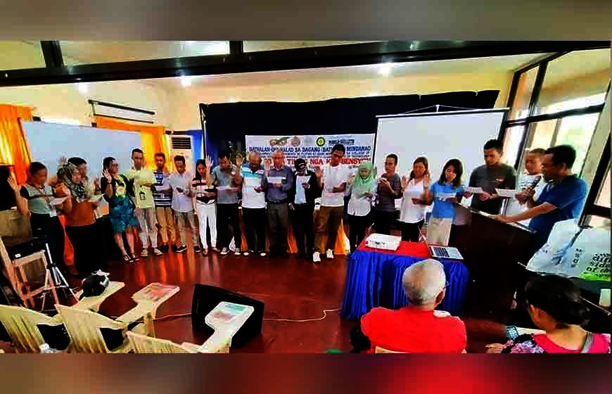 New members took their oath of membership before Bathalad-Mindanao chair Fr. Jon Saguban, TOR. (Contributed photo)