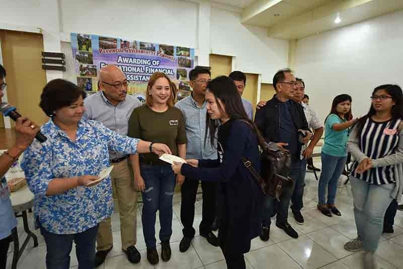 PAMPANGA. The Provincial Government of Pampanga distributed P1.9-million educational assistance to student-beneficiaries from several towns of Pampanga. (PIO)
