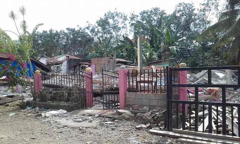 DAVAO. Kini ang hulagway sa pila ka dapit sa Tulunan, North Cotabato ang ground zero sa kusog nga linog niadtong nilabay nga bulan. (Jams Gabs)