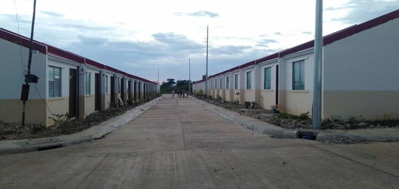 GHOST TOWN. Only 300 of the 1,000 houses the National Housing Authority built for Yolanda survivors in Sta. Fe, Bantayan Island are occupied. Of the 300, only five have power. (SunStar photo/ Benjie Talisic)