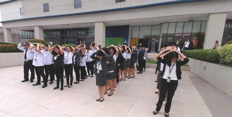 ANGELES CITY. Employees of SM City Clark participate in the Angeles citywide earthquake drill on Nov. 7. (Contributed photo)