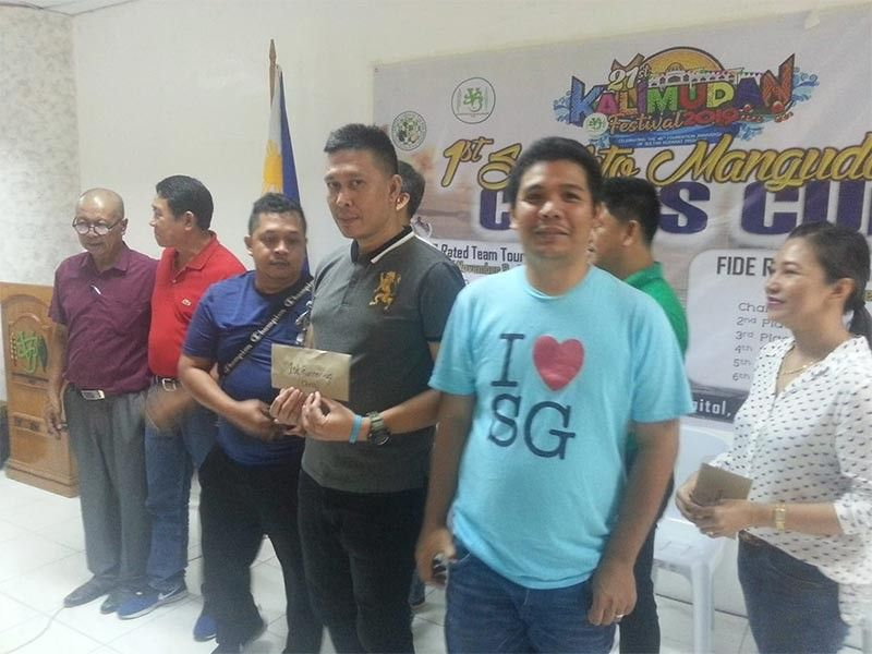 Cagayan de Oro's (left to right) Rodney Opada, Lyndon Lumancas and Bryan Jose during the awards rites. (Contributed Photo)