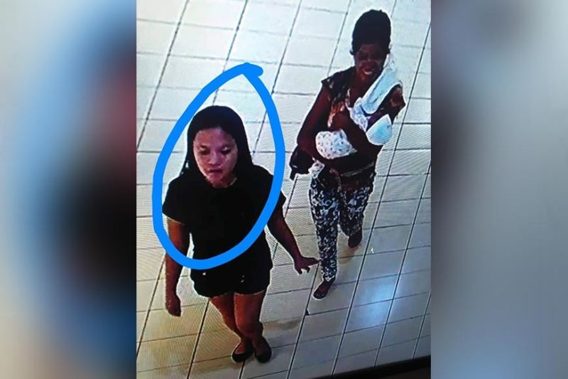 BACOLOD. Footage of closed circuit television (CCTV) camera from a mall in Bacolod shows the female suspect (in black t-shirt) who allegedly abducted the 17-day-old baby at San Juan-Luzuriaga Streets in Barangay 12 on Monday afternoon, November 11, 2019. (Police Station 1 photo)
