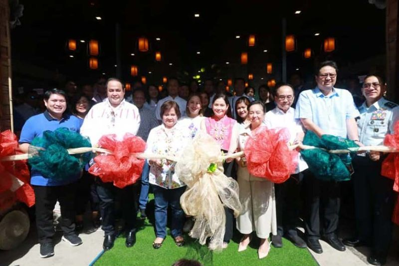 CLARK FREEPORT. (From left) Mabalacat City Acting Mayor Gerald Aquino, Pampanga Governor Dennis Pineda, PML president Edgar Flores, Vice Governor Lilia Pineda, Tourism Secretary Bernadette Romulo-Puyat, former President Gloria Macapagal-Arroyo, CDC chairman Jose De Jesus, CDC president Noel Manankil and Major General Allen Paredes led the ceremonial launch of