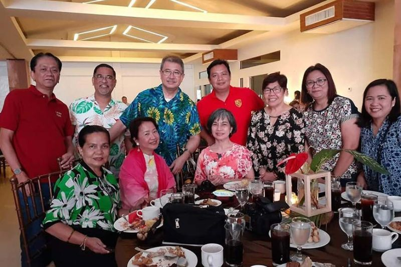 BUKIDNON. SunStar Pampanga's multi-awarded reporter Ian Ocampo Flora joins DOST Secretary Fortunato Dela Peña, STII public affairs head Lilibeth Padilla and other Luzon-based reporters during the Regional Science and Technology Week in Valencia City, Bukidnon. (Contributed photo)