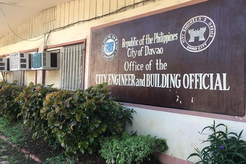 DAVAO. The Office of the City Building Official issued the eight quake-affected condominiums with notice to vacate to give way to their inspection and repair. (Roberto A. Gumba Jr.)