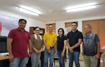BACOLOD. Provincial Veterinarian Renante Decena (third from left) with representatives of a commissary in Luzon in a meeting at the Provincial Veterinary Office in Bacolod City Friday, November 15, 2019. (Contributed Photo)