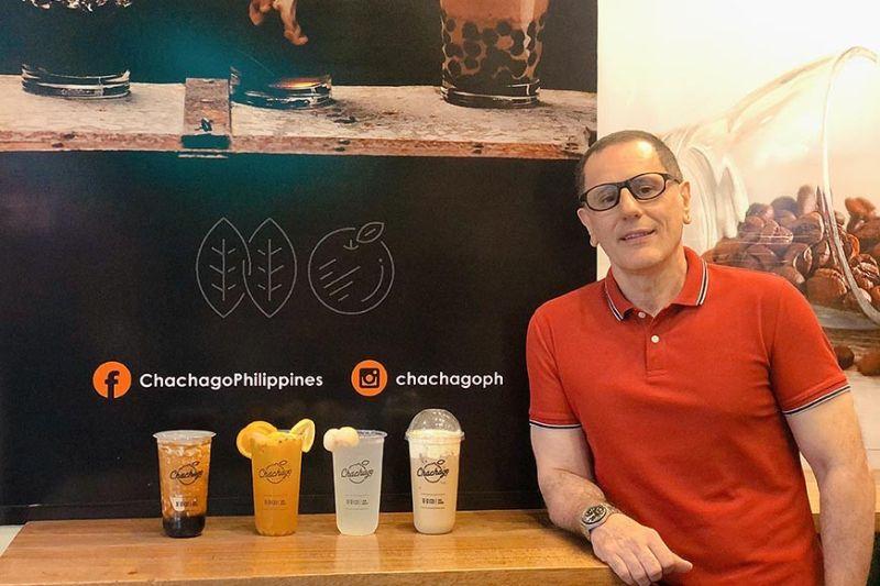 Chachago SM City Telabastagan owner Salvatore de Vincentis presents the Taiwanese milk tea brand's bestsellers including Brown Sugar Pearl Milk Tea, California Mix Fruit Tea, Lychee Tea, and Pearl Milk Tea. (Charlene A. Cayabyab)