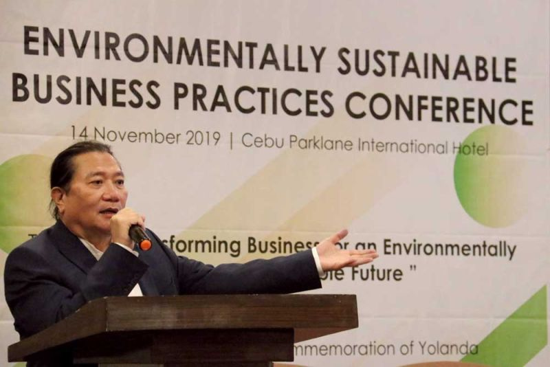 PROMISING. Architect Omar Maxwell Espina says the bamboo industry is promising. Bamboo is considered high-value for mitigating climate change given its fast biomass production and renewability. (SUNSTAR FOTO / AMPER CAMPAÑA)