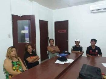CEBU. Ang lima nga dinakpan nga namugaw ug nagpasiugda sa prostitusyon sa Tabunok, Dakbayan sa Talisay. (Hulagway iya sa TCPS)
