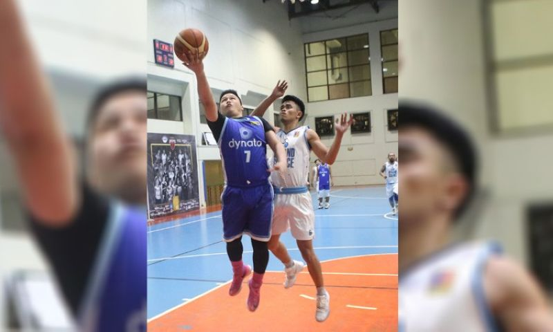 The Dynata Warriors have now won eight games in a row after defeating the Optum Knights to grab a share of the lead in the standings in the EVO League of the Tanduay Athletics E-Leagues for Basketball Season 15 at the City Sports Club-Cebu basketball court on Sunday, November 17, 2019. (Contributed foto)