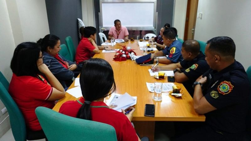BACOLOD. Executive Assistant Ernesto Pineda, head of Task Force Paputok 2019, meets with representatives of member-agencies of the task force such as the Bureau of Fire Protection, Bacolod City Police Office, City Legal Office, City Health Office, City Treasurer's Office, and Liga ng mga Barangay at the Bacolod City Government Center November 18 to discuss the permit for the sale of firecrackers and pyrotechnics, including the designated location and guidelines; as well as the designated zones for the use of firecrackers. (City PIO)