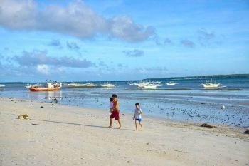CEBU. In 2021, this empty beach in Bantayan may be teeming with local and foreign tourists. That is, if the plan to turn the airstrip in Sta. Fe into a commercial airport is realized. (Alex Badayos)