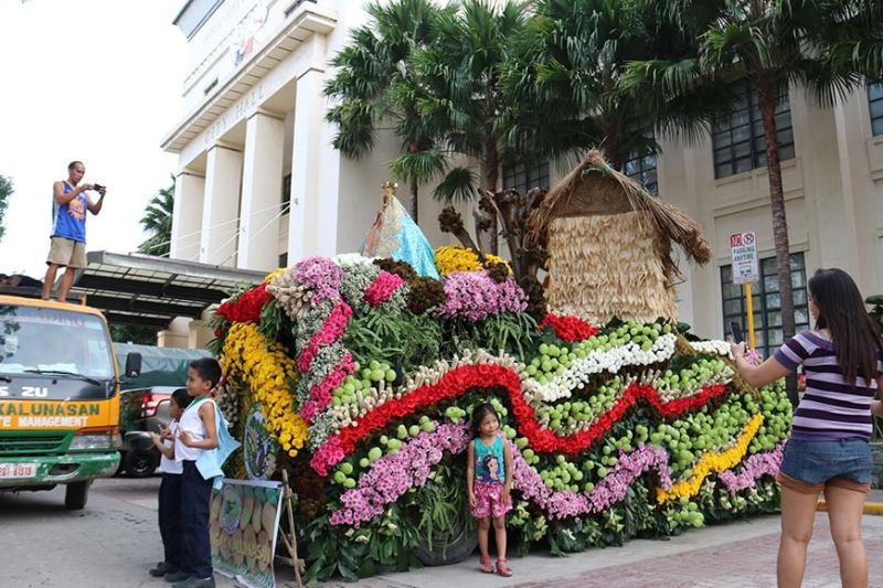 PETAL ATTRACTION. Barangay Bonbon's flowery booth wins first place in the display contest in the 10th Agri Bonanza being held until Friday, Nov. 22, at the Plaza Sugbo in Cebu City. (SunStar photo / Amper Campaña)