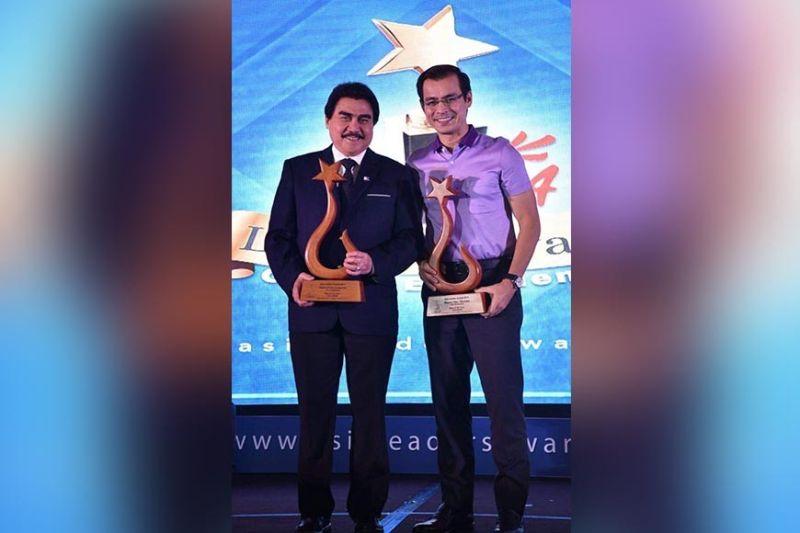 "MANILA. Bacolod City Mayor Evelio Leonardia and Manila City Mayor Francisco ""Isko Moreno"" Domagoso were awarded ""Man of the Year,"" along with six other distinguished personalities, at the Asia Leaders Awards 2019, dubbed ""Global Excellence,"" at the Makati Shangri-La Hotel in Manila Tuesday, November 19, 2019. (City PIO)"
