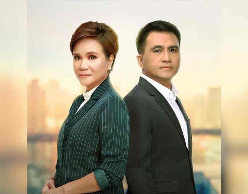 Mga hosts sa Reporter's Notebook, Maki Pulido ug Jun Veneracion.