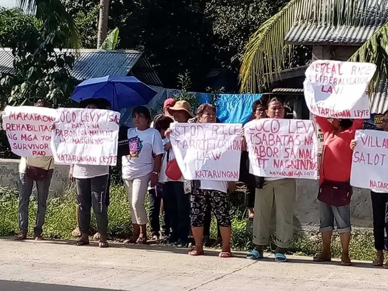LEYTE. Leyte farmers stage a lightning protest against the Rice Tariffication Law on Wednesday, November 20, 2019. Farmers' group Katarungan said similar protests were staged in at least 30 provinces in the country. (Photo courtesy of Katarungan-Eastern Visayas)