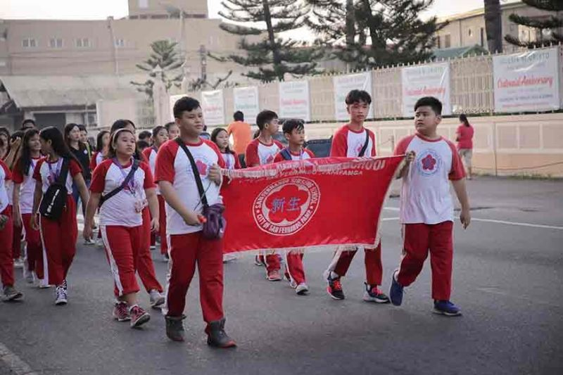 PAMPANGA. A delegation from San Fernando Sinseng School take the walk for the benefit of out-of-school youth during the Alay Lakad 2019. (CSF-CIO photo)