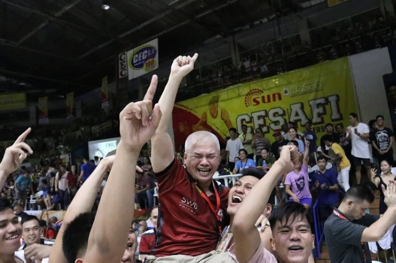 CEBU. SWU-Phinma head coach Mike Reyes has already overcome much tougher odds, says his older brother, Chot. (SunStar Photo)