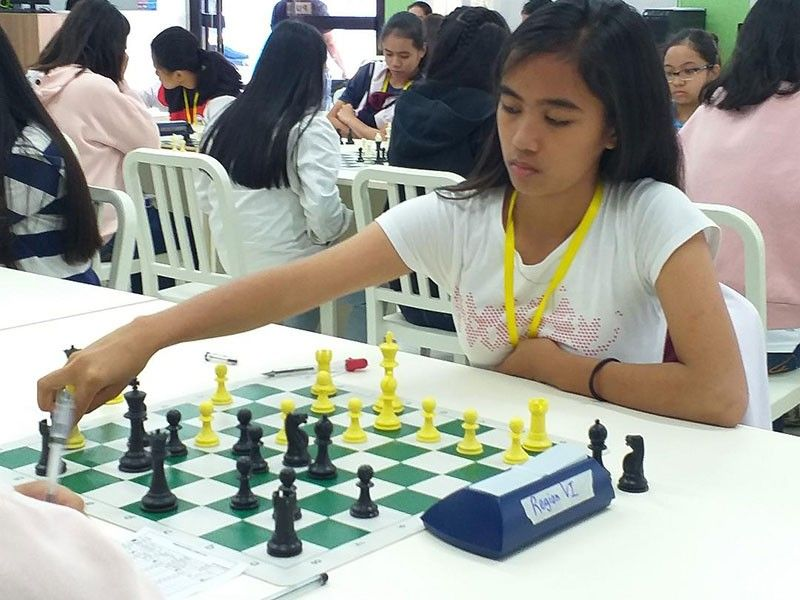 DAVAO. University of Mindanao's Irish Yngayo gives Unit 5 one gold medal and one silver in the just-concluded Davao City Athletic Association (DCAA) Meet 2019 chess competition held at Kapitan Tomas Monteverde Sr. Elementary School. (Marianne L. Saberon-Abalayan/SunStar Davao file)