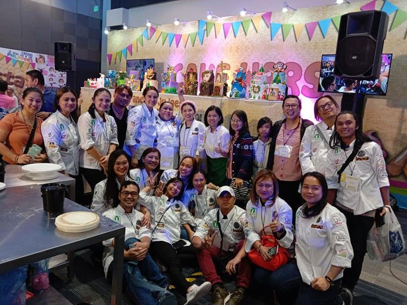 Team MCDS after the competition. (Photo from Mindanao Cake Decorating Society)