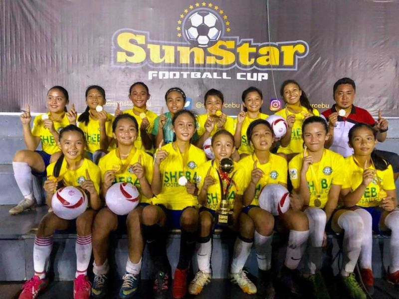 PERFECT RUN. Sheba FC won all its games without conceding a single goal to dominate the Girls 15 division. (SUNSTAR FOTO / ARNI ACLAO)