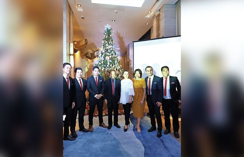 GLITTERS. The Summit Galleria Cebu management team: (From left) Daryl Ocampo, shift engineer; Mario Usaraga, housekeeping manager; Rechene Entoma, shift engineer; Tony Mingo, F&B director; Arlene Tongco, general manager; Lisette Arena, senior marketing manager; Mark Artaba and Rudney Alforque, sales manager.