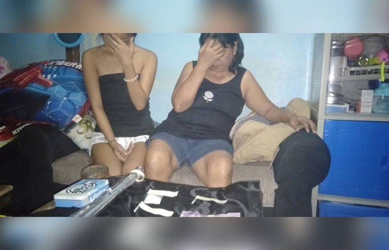DAKOP HINUON: Pwerting tabon sa ilang mga dagway sa duha ka mga babaye nga nasikop atol sa buy-bust operation sa dakbayan sa Sugbo. (BBT)