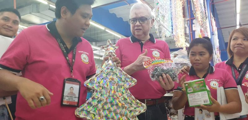CAGAYAN DE ORO. The City Price Coordinating Council and the Department of Trade and Industry now heightened their alert and monitoring of shopping malls to ensure that decorative lights sold are safe. (Kris Sialana/Superbalita)