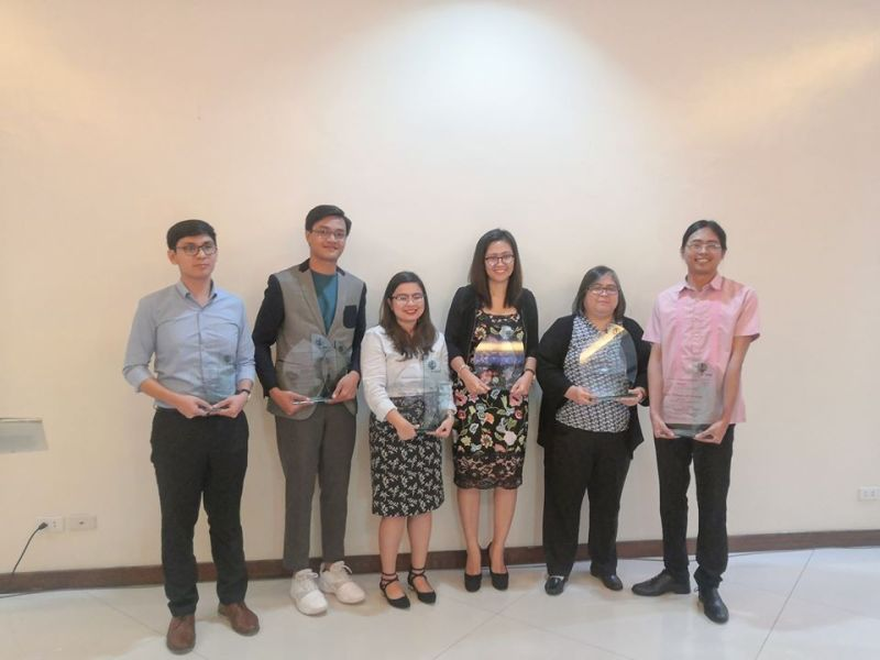 DAVAO. SunStar Davao's Ace Perez (second from left) poses with fellow winners of the 13th Jose G. Burgos Jr. Awards for Biotechnology Journalism. (Contributed photo)