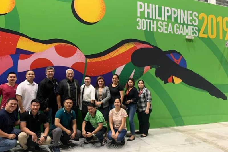 PAMPANGA. Mayor Carmelo Lazatin, Jr. and officials of the Angeles City government show their all-out support to the 30th SEA Games. (Photo by AC-CIO)